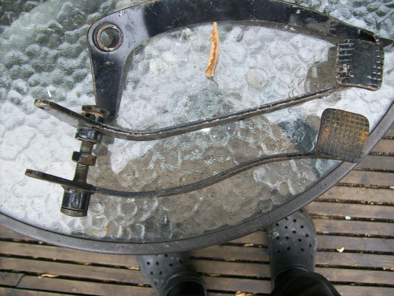 brake-pedals-004.JPG