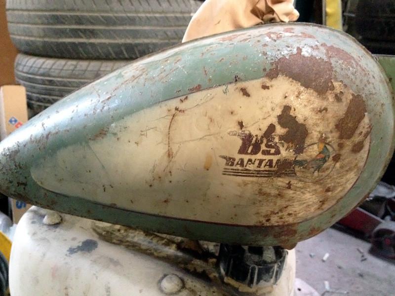 BSA-fuel-tank-01.jpg